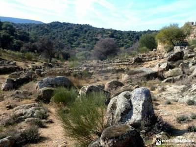 Ciudad de Vascos-Dolmen de Azután;senderismo en invierno web pistas y senderos bastones